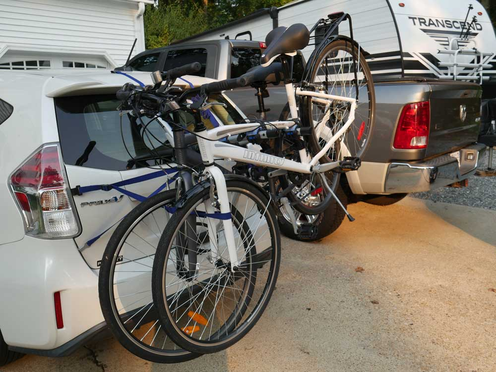 Thule Archway Bike Rack With Two Bikes Loaded
