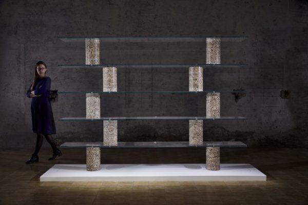 Despejado, designer escava edifício para criar móveis