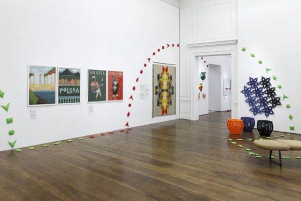 Exposição em São Paulo confronta design brasileiro e polonês