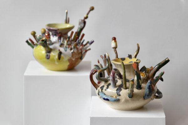 Mostra em SP traz as cerâmicas expressivas de Paula Juchem