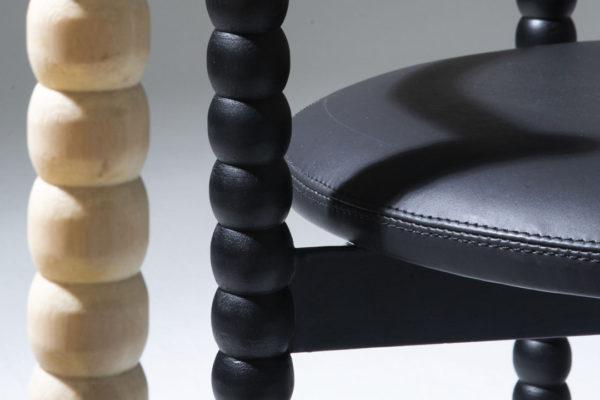 De contrastes e afetos: conheça a cadeira Tourinho, de Daniel Jorge
