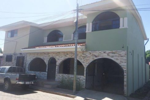 two story house in nicaragua