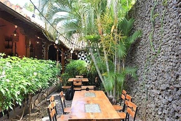 colonial-home-calle-la-calzada-granada-nicaragua (10)