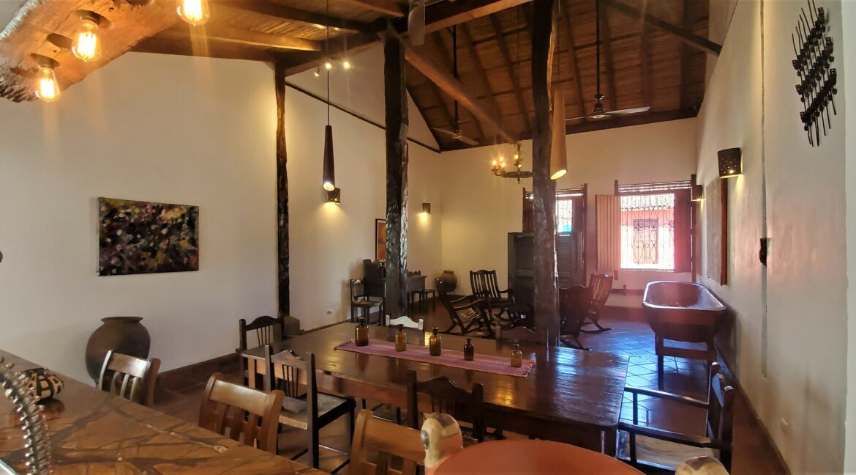 Granada + Nicaragua + Colonial Home + Pool + Vacation Home (43)