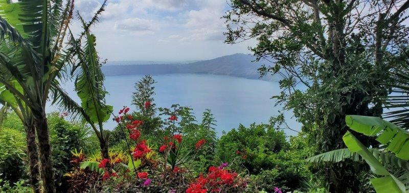 Live in the middle of a jungle Laguna De Apoyo | Catarina | Nicaragua Real Estate