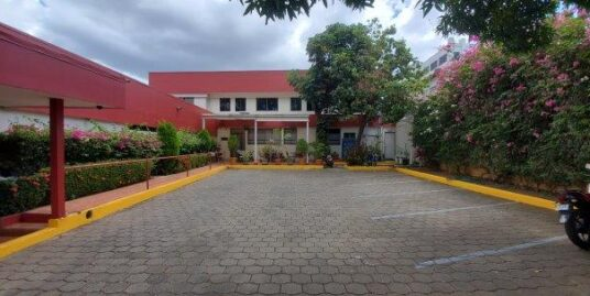 CORPORATE BUILDING FOR SALE VARIOUS USES NEAR A BLOCK FROM HOSPITAL BOLONIA