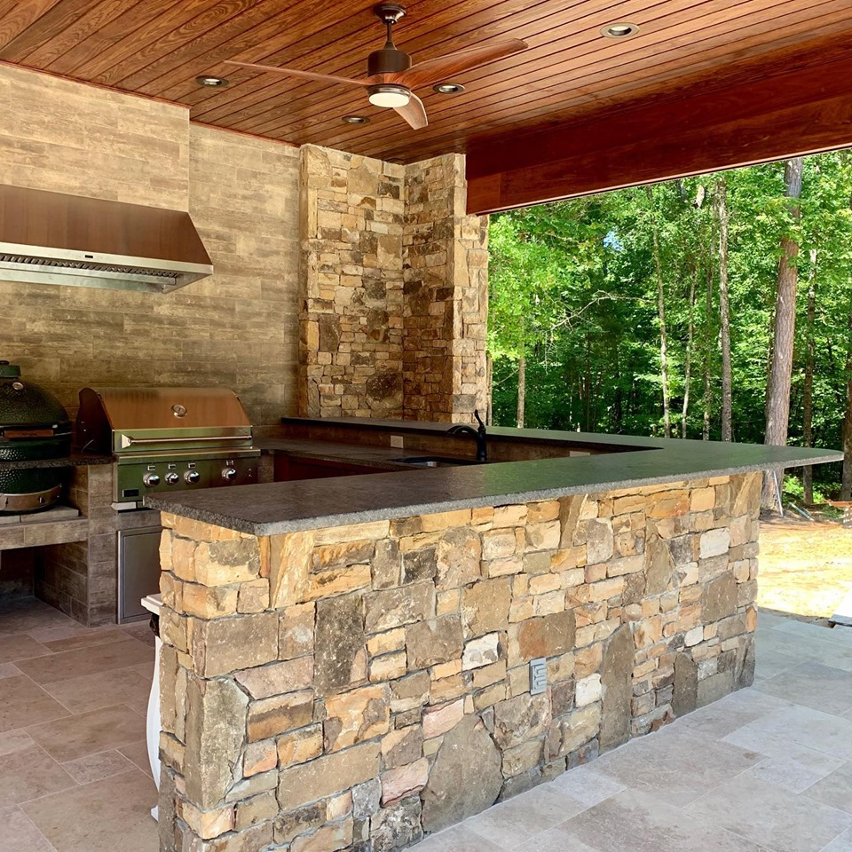 Install by RL Stoneworks_Outdoor kitchen