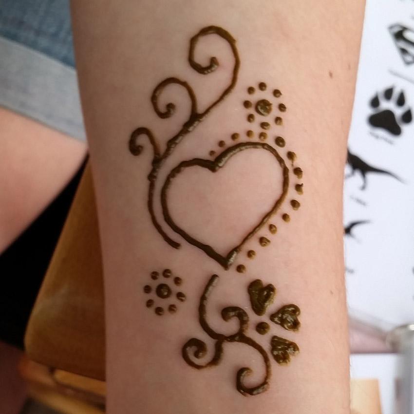 Heart Henna Design