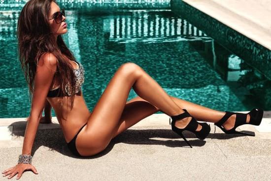 Ivana Vuknic pool swim bikini