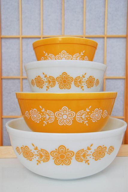 Vintage Pyrex dishes wanted!
