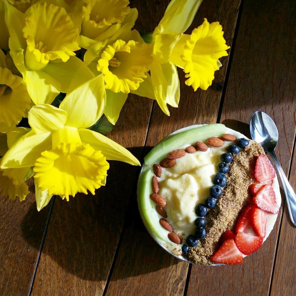 Pineapple + Orange + Banana   Smoothie Bowl   Clovers & Kale   Recipe