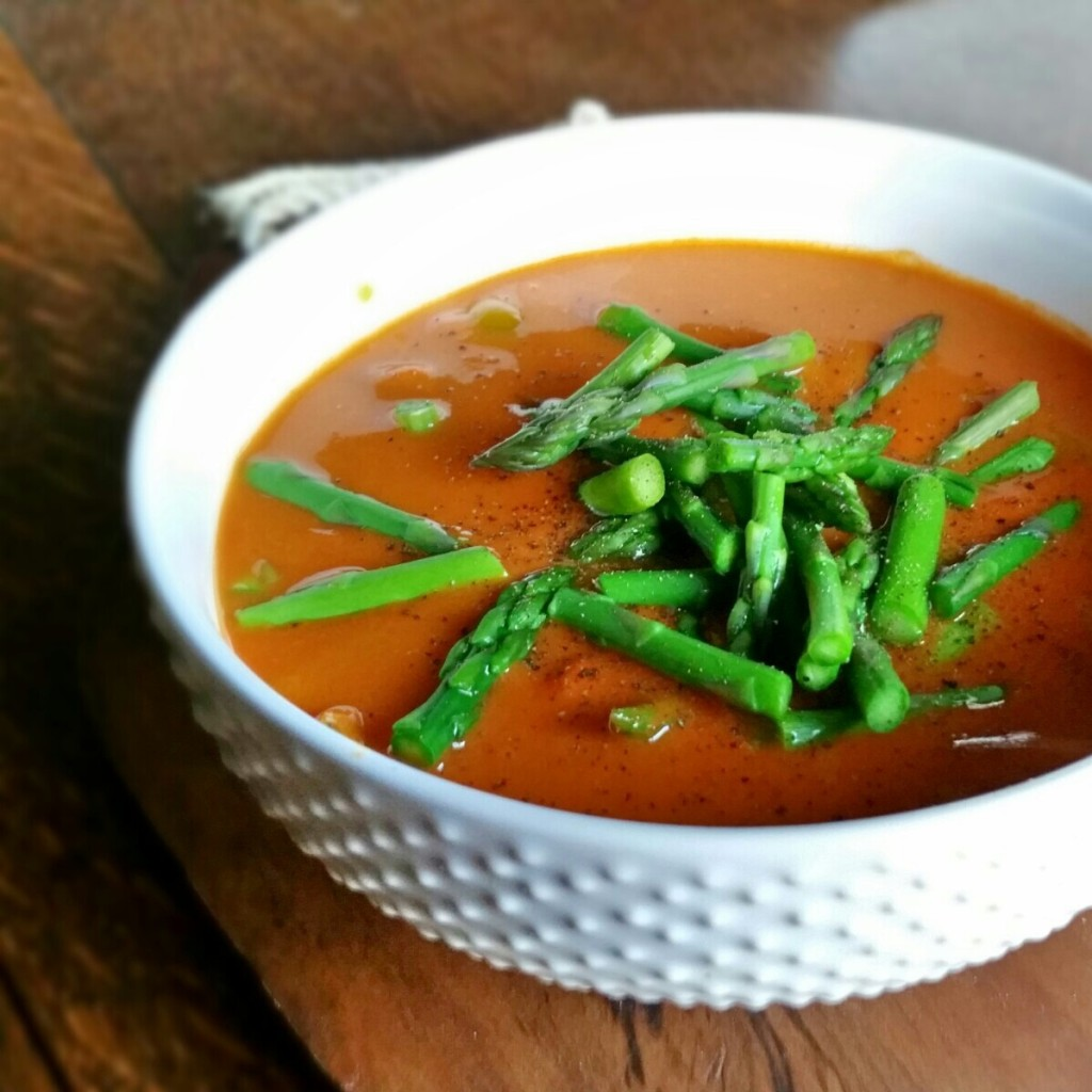 Yum! Roasted Tomato & Red Pepper Soup with Asparagus   Clovers & Kale
