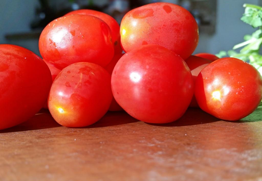 Clovers & Kale - Zoodles - Pesto - Grape Tomatoes