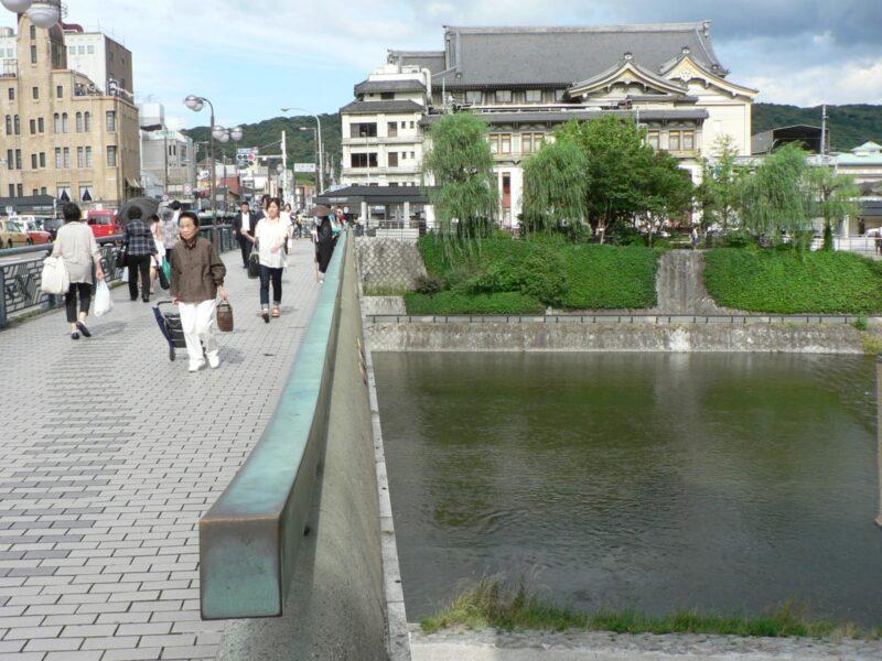 Мост Сидзё-оохаси (источник: https://4travel.jp/travelogue/10792255)