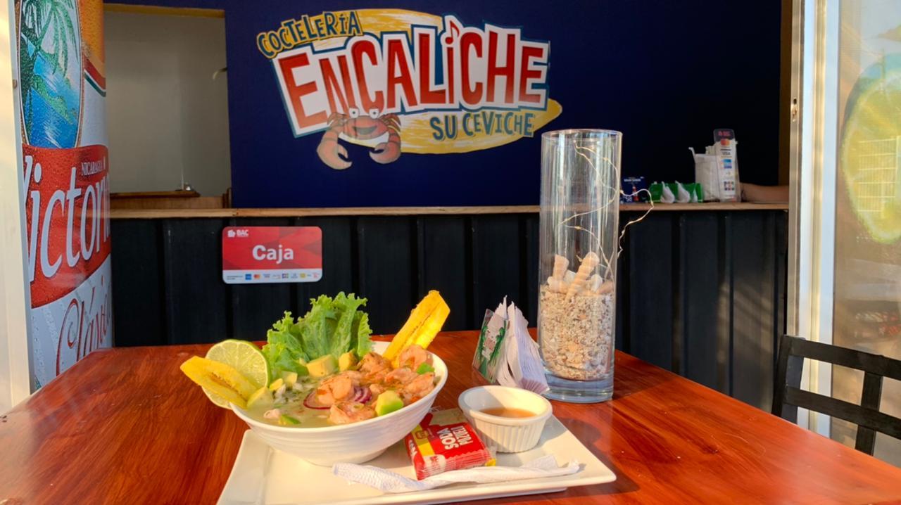 Coctelería Encaliche su ceviche en Managua