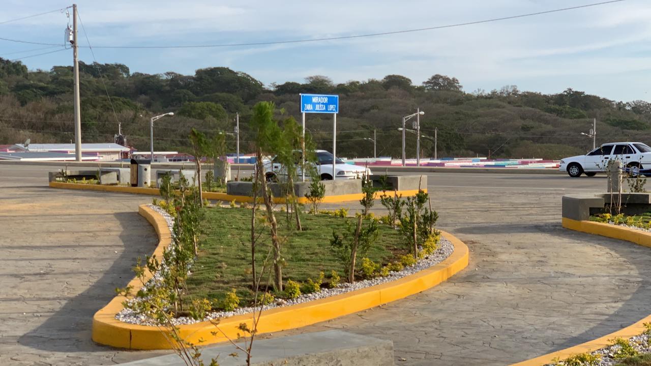 Nuevo Mirador Zaira Julissa López en Carretera El Boquete Santa Ana