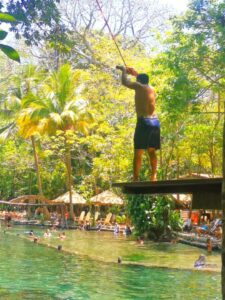 La piscina de agua volcánica en Nicaragua