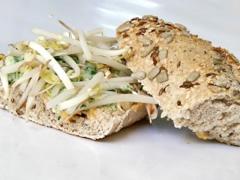 Sandwich popeye con germinados