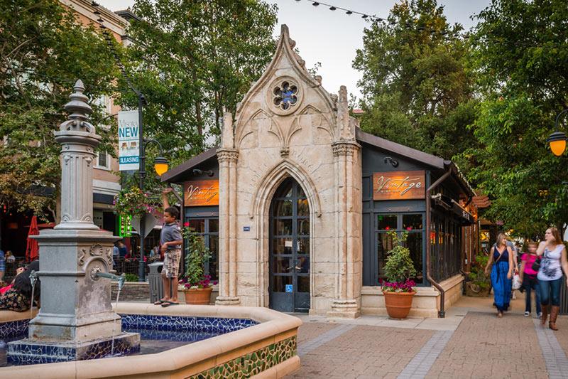 Santana-Row-SB-Architects-06-retail-ship-and-water-fountain