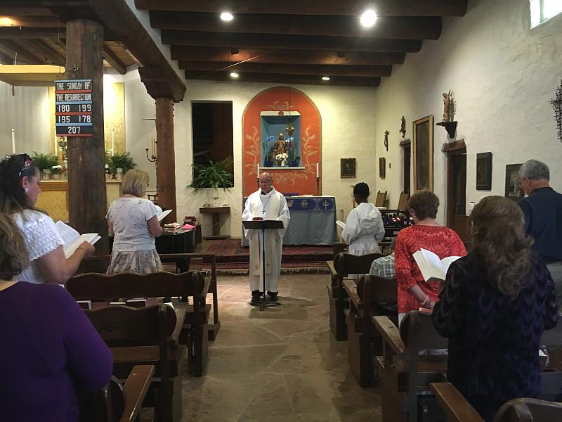 Misa en Español - Easter Sunday 2016. Felices Pascuas!