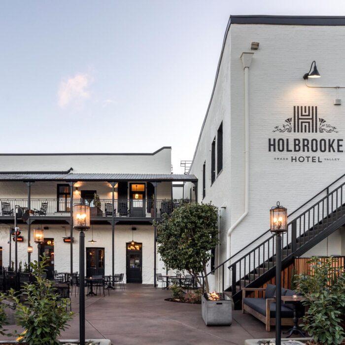 Holbrooke Hotel Outdoor Dining