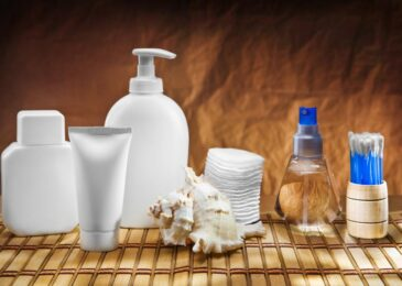Common Harmful Ingredients in Inorganic Skincare Products and Their Effects