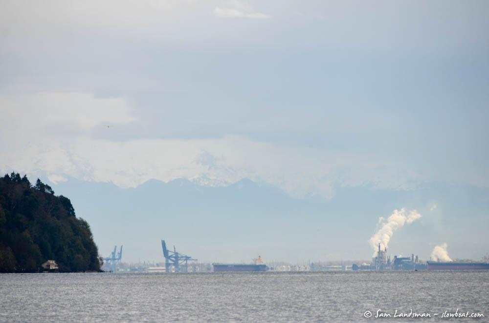 A glimpse of Mount Rainier above Tacoma