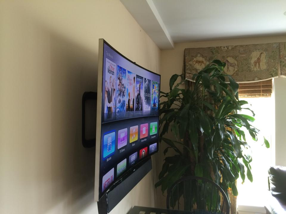 Samsung Curve 4K TV and Bose Cinemate Soundbar