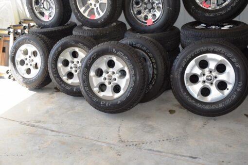 Jeep wrangler Sahara oem wheels for sale