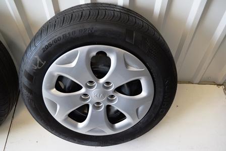 Kia Soul 16 inch oem wheels tires
