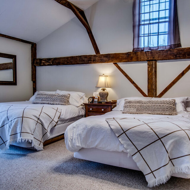 LBC Carriage House Airbnb