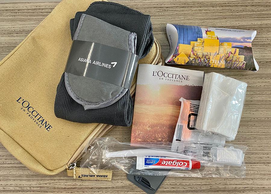 Asiana Airlines l'Occitane amenities kit. Credit: Chris Ashton