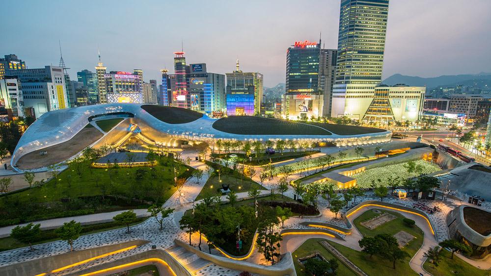 Dongdaemun Design Plaza, Jung-gu, Seoul. Credit: Kim Dae-hyeong / Korea Tourism Organization