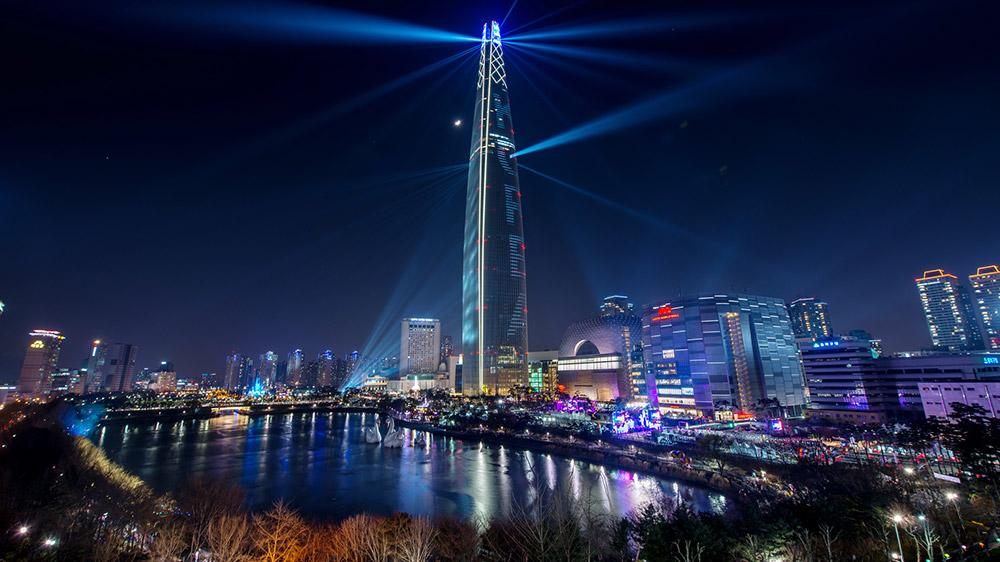 Lotte World Tower. Credit: IR Studio / Korea Tourism Organization