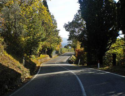 italiainpiega-pieghe-meravigliose-itinerari-moto-nord-italia-le-curve-storiche-del-mugello-ss65-futa2