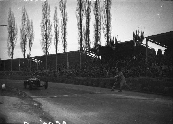 italiainpiega-pieghe-meravigliose-itinerari-moto-pianura-padana-tazio nuvolari-gp-pau-1935