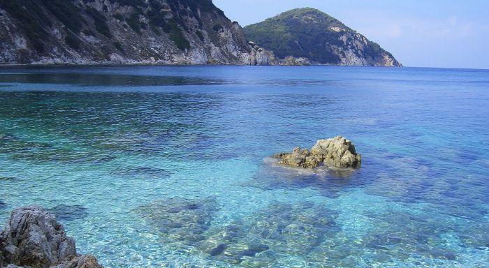italiainpiega-pieghe meravigliose-itinerari-moto-centro-italia-isola d'elba-capo d'enfola
