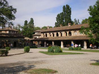 italiainpiega-pieghe meravigliose-itinerari-moto-nord-italia-passo del tomarlo-grazzano visconti 4