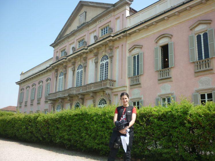 italiainpiega-pieghe meravigliose-itinerari moto pianura padana-dominio visconteo-belgioioso-castello visconteo