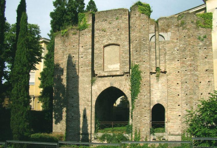 italiainpiega-pieghe meravigliose-itinerari moto pianura padana-dominio visconteo-lodi-castello visconteo