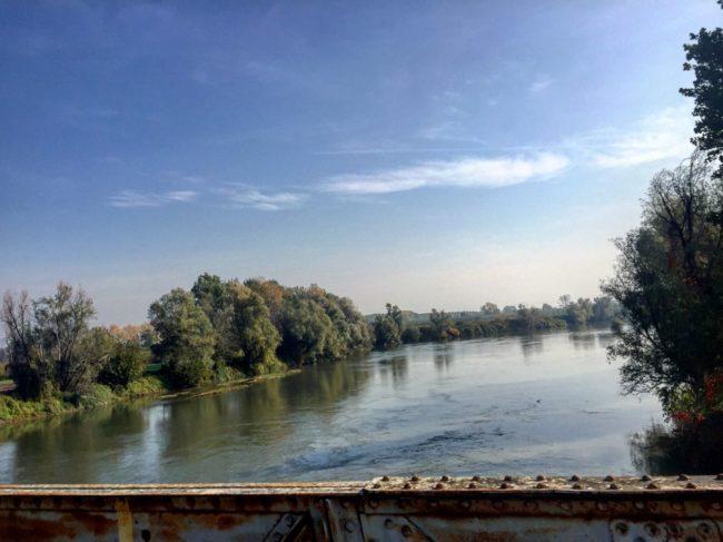 italiainpiega-pieghe-meravilgiose-itinerari-moto-pianura-padana-lungo-fiume-oglio-sud-ponte di ferro