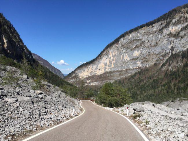 italiainpiega-pieghe meravigliose-itinerari moto nord italia-val di non-lago di tovel 2