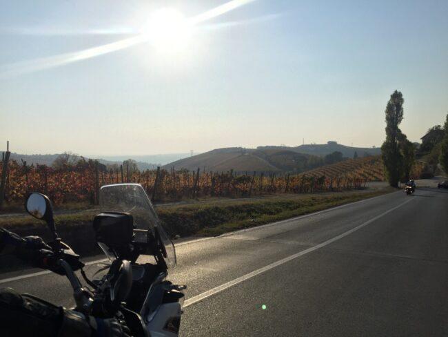 italiainpiega-pieghe meravigliose-itinerari moto nord italia-langhe e roero-paesaggio 2