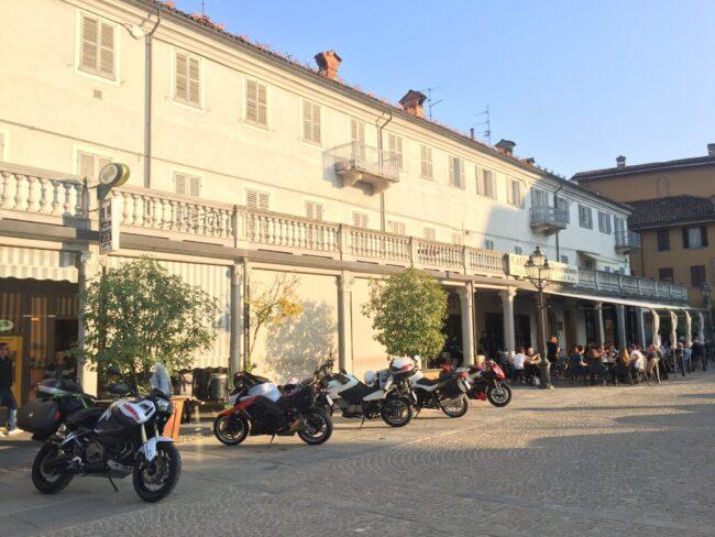 italiainpiega-pieghe meravigliose-itinerari moto nord italia-langhe-dogliani 1