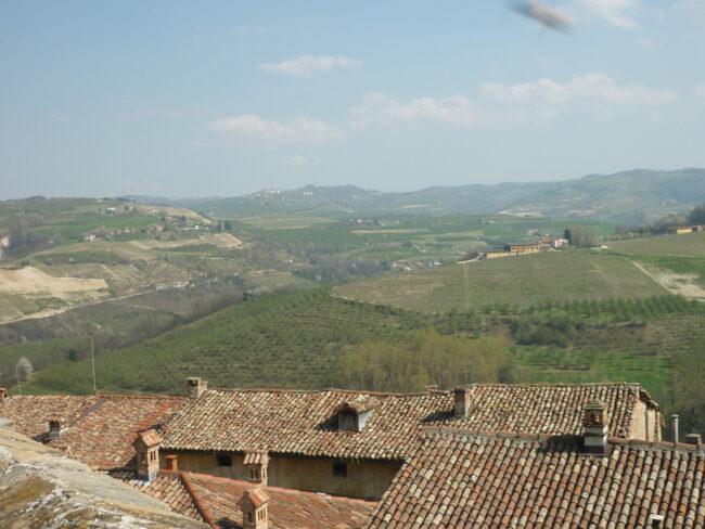 italiainpiega-pieghe meravigliose-itinerari moto nord italia-langhe-serralunga d'alba 2