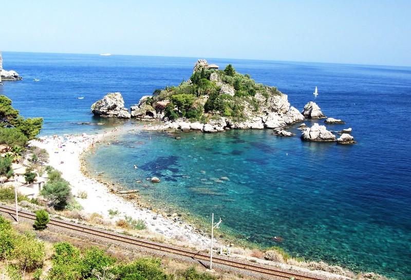 italiainpiega-pieghe meravigliose-itinerari moto sud italia-sicilia orientale-grotta azzurra