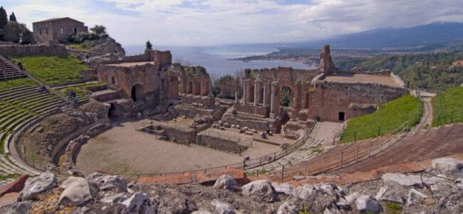italiainpiega-pieghe meravigliose-itinerari moto sud italia-sicilia orientale-taormina