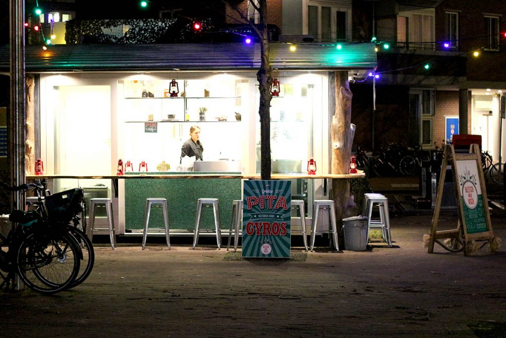 20 VEGETARIAN & VEGAN RESTAURANTS IN AMSTERDAM- Vleesch Noch Visch