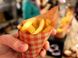 The Dutch enjoy their patat with mayonnaise and also with a combination of unique toppings. Frites or patat are on the list of Dutch foods you should try. These tasty ones are from Par Hasard in de Pijp.