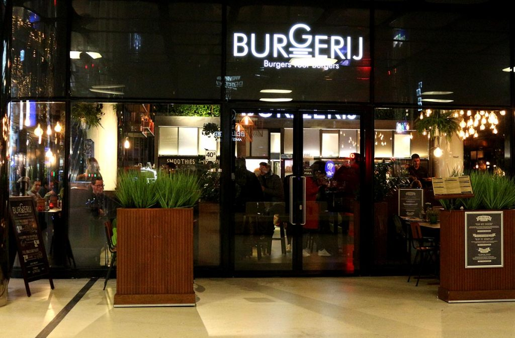 Burgerij is conveniently located at Amsterdam Centraal Station so you can grab your burger before or after a train ride